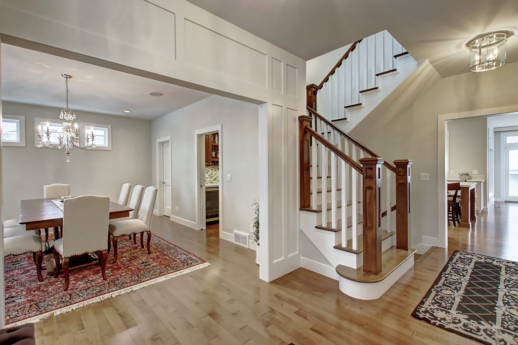 ac-main-stairs-30.MLS_Ready.2832_25A_St_SW.011600