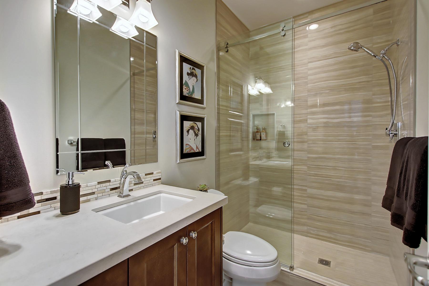 ao-main-floor-bath-27.Higher_Res.2832_25A_St_SW.011600