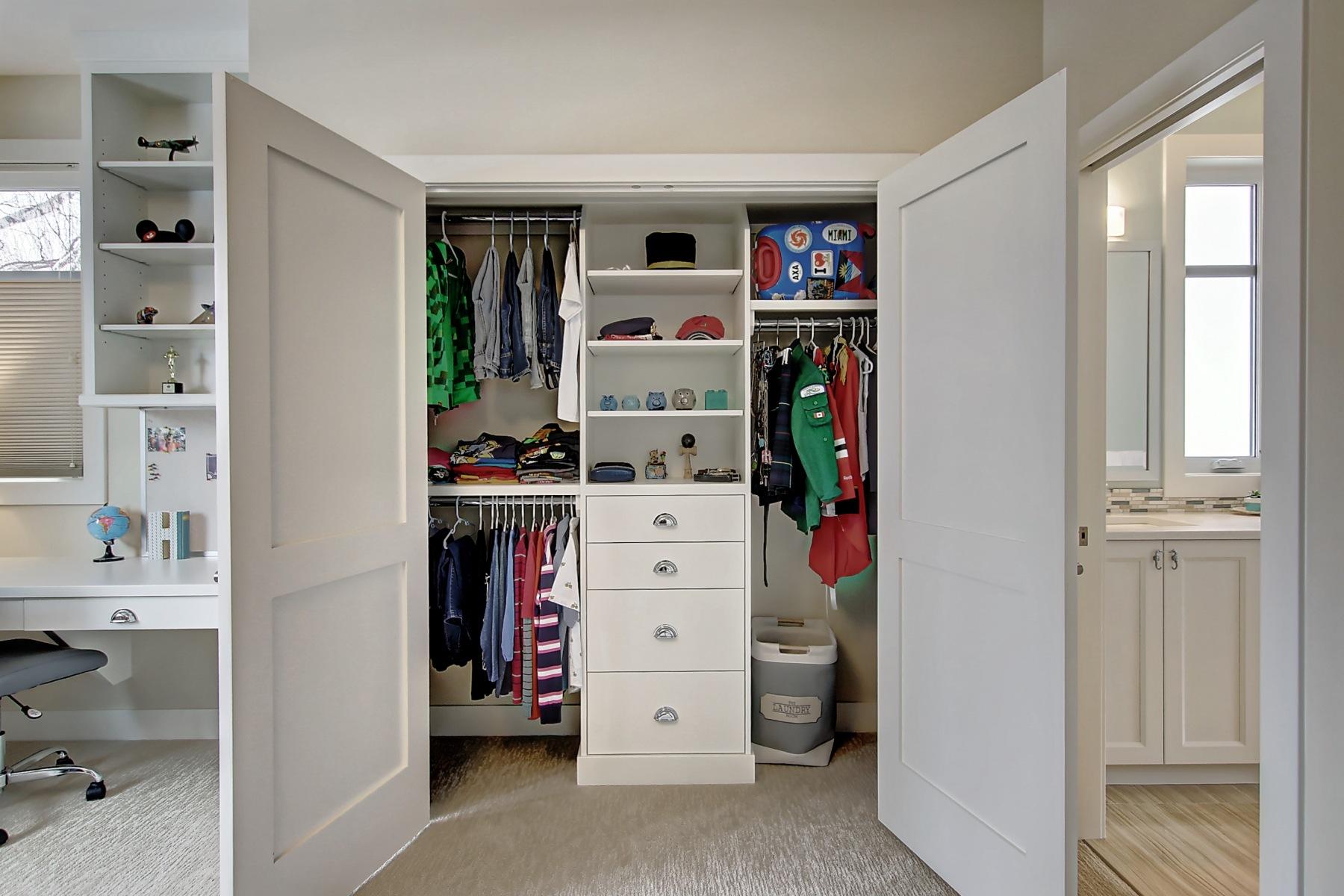bg-bedroom-2-closet-built-in-45.Higher_Res.2832_25A_St_SW.011600